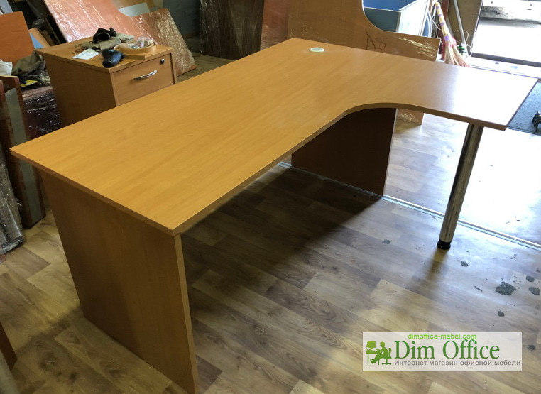 купити недорогу офісні меблі